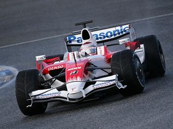 Лучшее время недели на тестах в Барселоне показал пилот Toyota F1