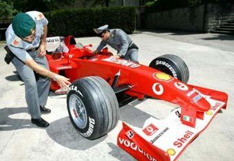 Итальянская полиция конфисковала поддельные болиды Ferrari