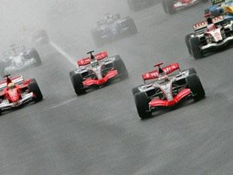 Бахрейн купит у Рона Денниса акции McLaren