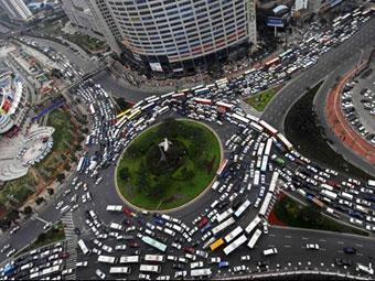 Мэр китайского города попросил жителей не покупать машины