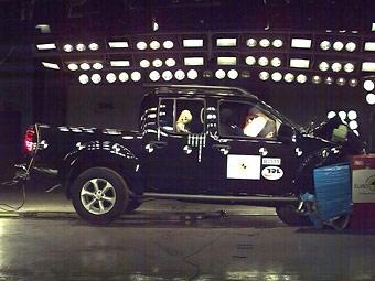 Nissan Navara стал безопаснее