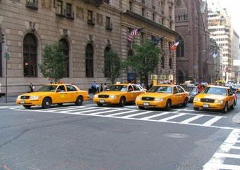 """Все такси в Нью-Йорке заменят """"гибридами"""""""