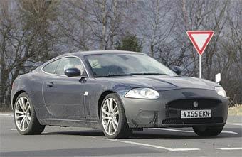 """Jaguar готовит две """"заряженные"""" версии купе XK"""