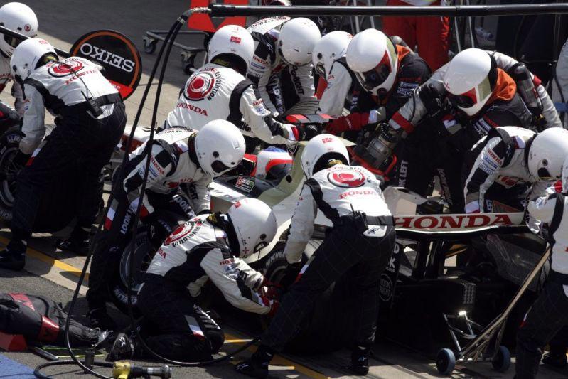 Новым техническим директором команды Honda стал Шухей Накамото