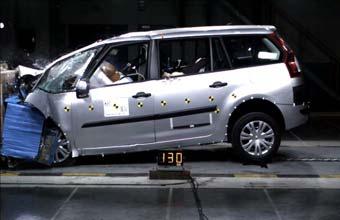 Новый Citroen C4 Picasso признан самым безопасным компактвэном