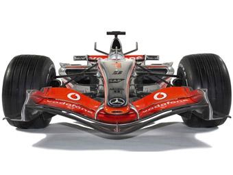 Renault, McLaren и BMW показали свои новые болиды