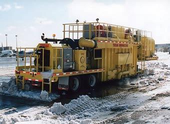 В Москве состоялся дебют мобильных снеготаялок