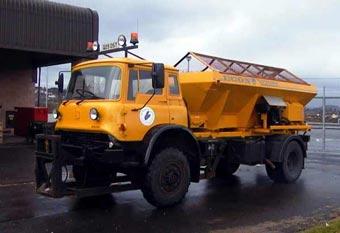 Антигололедные машины спасут британские  дороги от жары