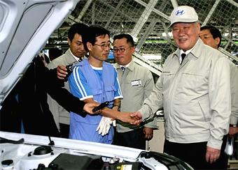 Глава Hyundai освобожден под залог