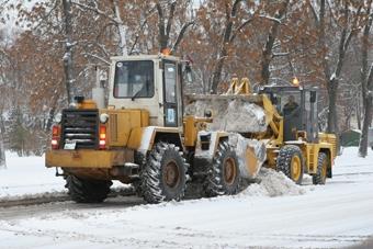Снегоуборочная техника заступила на круглосуточное дежурство