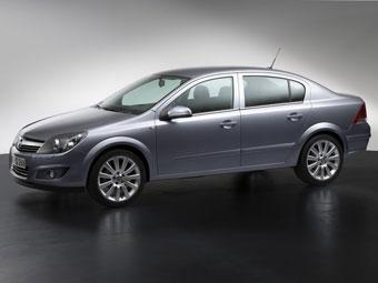 Продажи седана Opel Astra в России начнутся в октябре