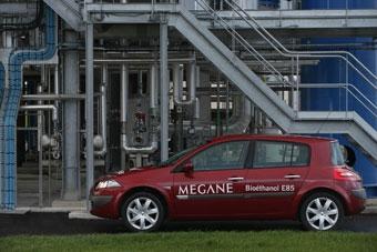 Renault Megane начнет потреблять спирт в 2007 году