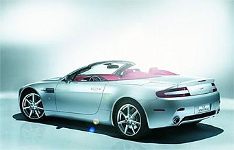 Aston Martin официально представила новый родстер