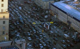 Футбольные фанаты парализовали московские дороги
