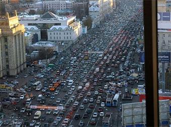 Мосгордума предлагает запретить для легковых машин въезд в центр города