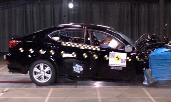 Toyota и GM будут проводить краш-тесты без манекенов