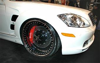 На SEMA представили прозрачные колесные диски