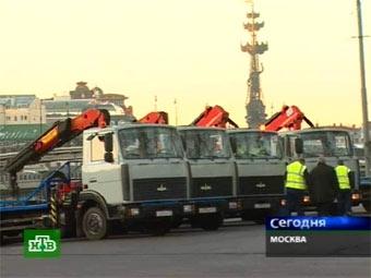 В новогоднюю ночь на дорогах Москвы появятся дополнительные эвакуаторы