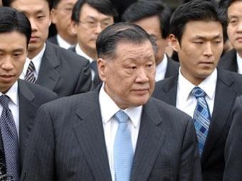 Глава Hyundai приговорен к трем годам тюрьмы