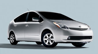 "Toyota намерена заработать на ""гибридах"""