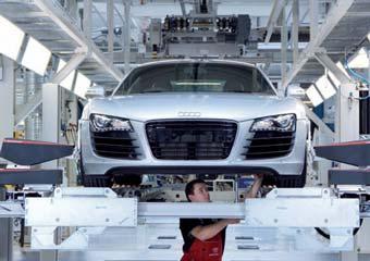 Audi отмечает столетие своего завода началом производства суперкаров