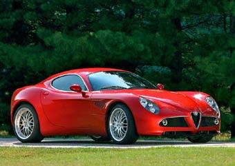 Серийную Alfa Romeo 8C Competitzione представят в Париже