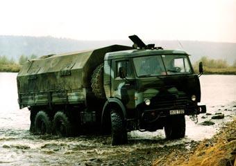 Министр обороны пообещал КамАЗу будущее автомата Калашникова