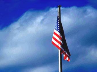 В салоне Hummer запретили вывешивать слишком шумный американский флаг