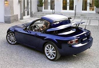 Mazda показала купе-кабриолет MX-5