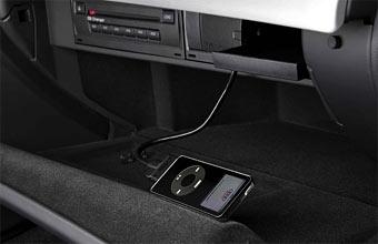 Дорогие версии Audi получают разъем для подключения iPod