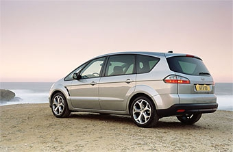 Продажи Ford в Европе продолжают расти