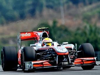 Хэмильтон показал лучшее время на свободных заездах Формулы-1 в Малайзии