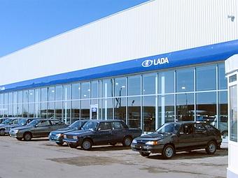 Продажи автомобилей Lada падают второй месяц подряд