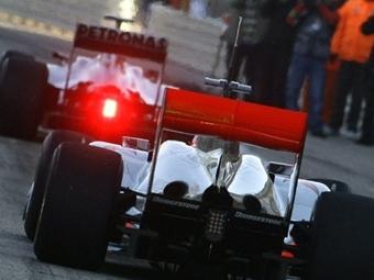 FIA попросит три команды Формулы-1 добровольно изменить диффузоры