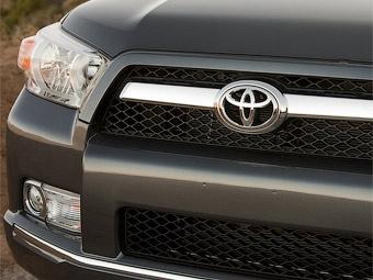 Компания Toyota молчала о проблемах с педалью газа более трех лет