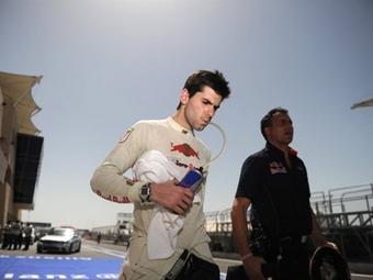 Из-за вулкана гонщик Формулы-1 добирался до Европы более двух суток