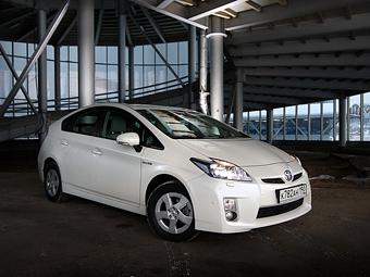 Самым продаваемым автомобилем Японии стал гибрид