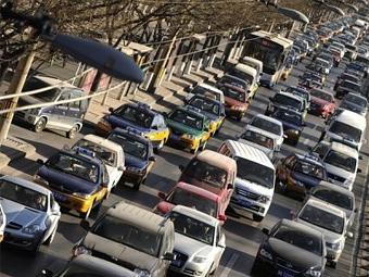 Продажи автомобилей в Китае в январе выросли вдвое