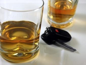 Депутаты разрешат водителям сидеть пьяными в машине