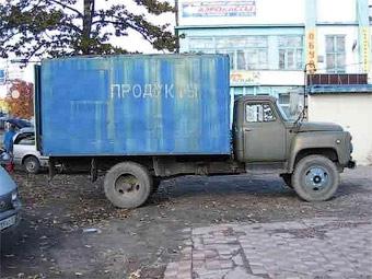 В Москве запретят парковать грузовики во дворах