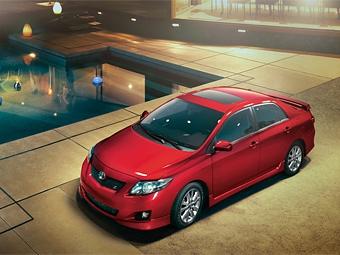 Toyota остановит продажи восьми моделей в США из-за проблем с педалью газа