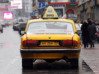 Власти Москвы предложили выпустить специальные права для водителей такси