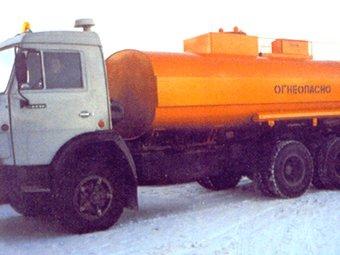 Бензовоз задел на МКАД десять автомобилей