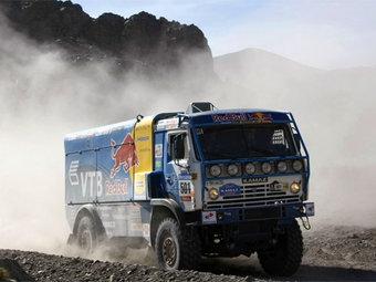 """Три """"КамАЗа"""" возглавили зачет грузовиков на шестом этапе """"Дакара"""""""