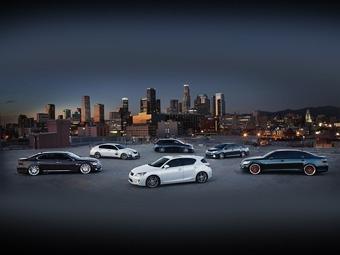 """На тюнинг-шоу SEMA Lexus покажет линейку """"заряженных"""" гибридов"""