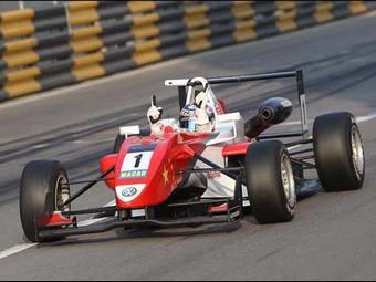 Мортара во второй раз выиграл главную молодежную гонку
