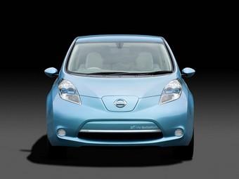 Nissan распродала электрокары Leaf до начала их производства