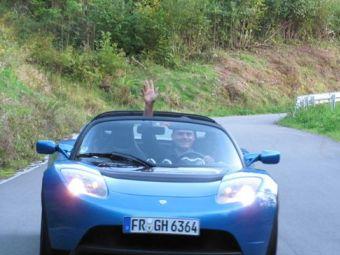 Немец проехал на электрическом спорткаре 65 тысяч километров за год