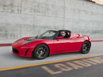 В Гудвуде дебютировал обновленный электрокар Tesla Roadster