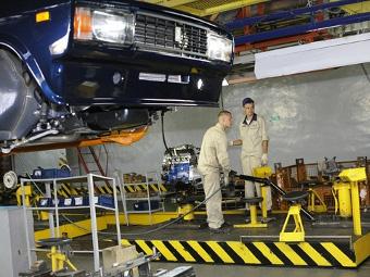 """ИжАвто"" возобновил серийное производство машин после визита Путина"